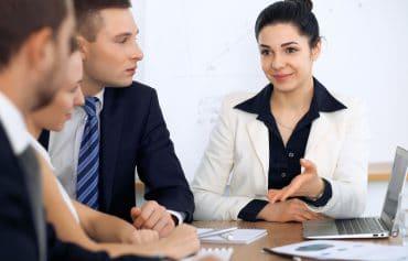 Mit Gesprächstaktiken sicher und treffend überzeugen