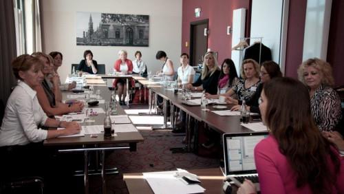 NEU: Intensives Experten-Know-how am runden Tisch