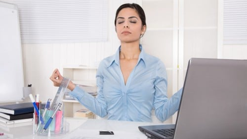 Yoga am Schreibtisch