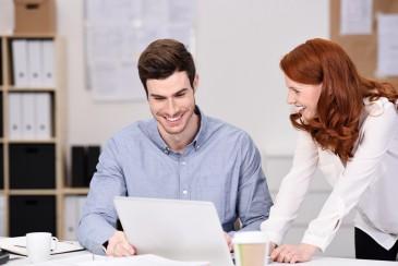 Assistentin überzeugt Chef von Idee - erfolgreiche Geprächsführung