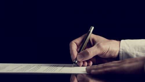 i. A., i. V., ppa. – Unterschriftenzusätze und Vollmachten im Geschäftsbrief