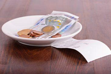 Trinkgeld: Die richtige Summe für jeden Anlass