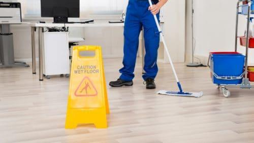Reinigungsunternehmen auswählen und betreuen