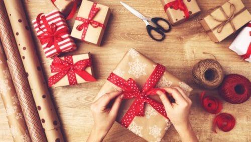 Weihnachtsgeschenke organisieren
